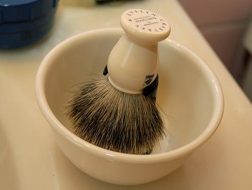 Tradycyjne golenie pędzel